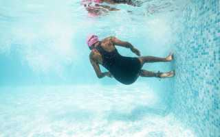 Что нельзя делать в бассейне