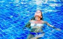 Почему после бассейна насморк